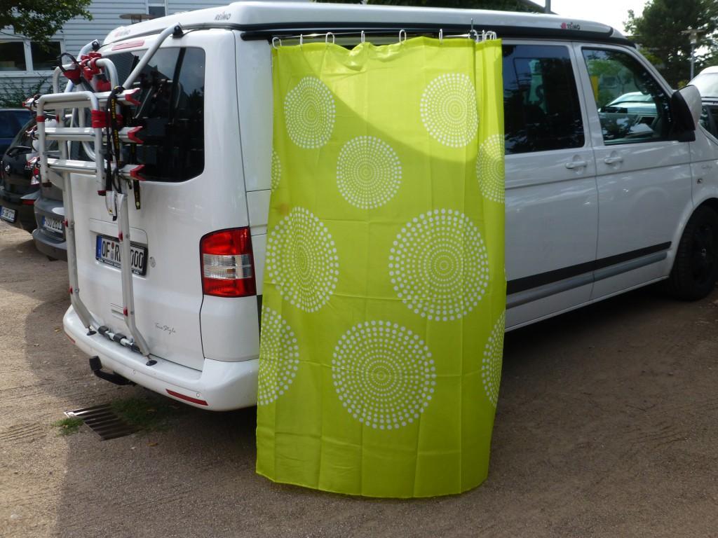 Außenduschkabine für Multirail mit Taschengurt-Befestigung